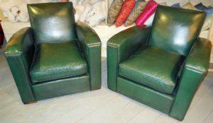 Fauteuil club modèle Art déco vert vintage